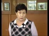 Учитель начальных классов Лидия Трипецкая организовала выставку своих картин, вышитых крестом